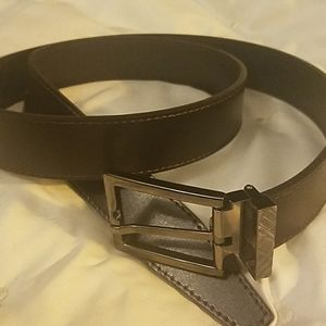 Men's mahogany Burberry belt in perfect condition.